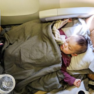 toddler-sleep-on-plane