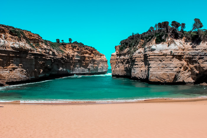 great-ocean-road-itinerary-loch-ard-gorge